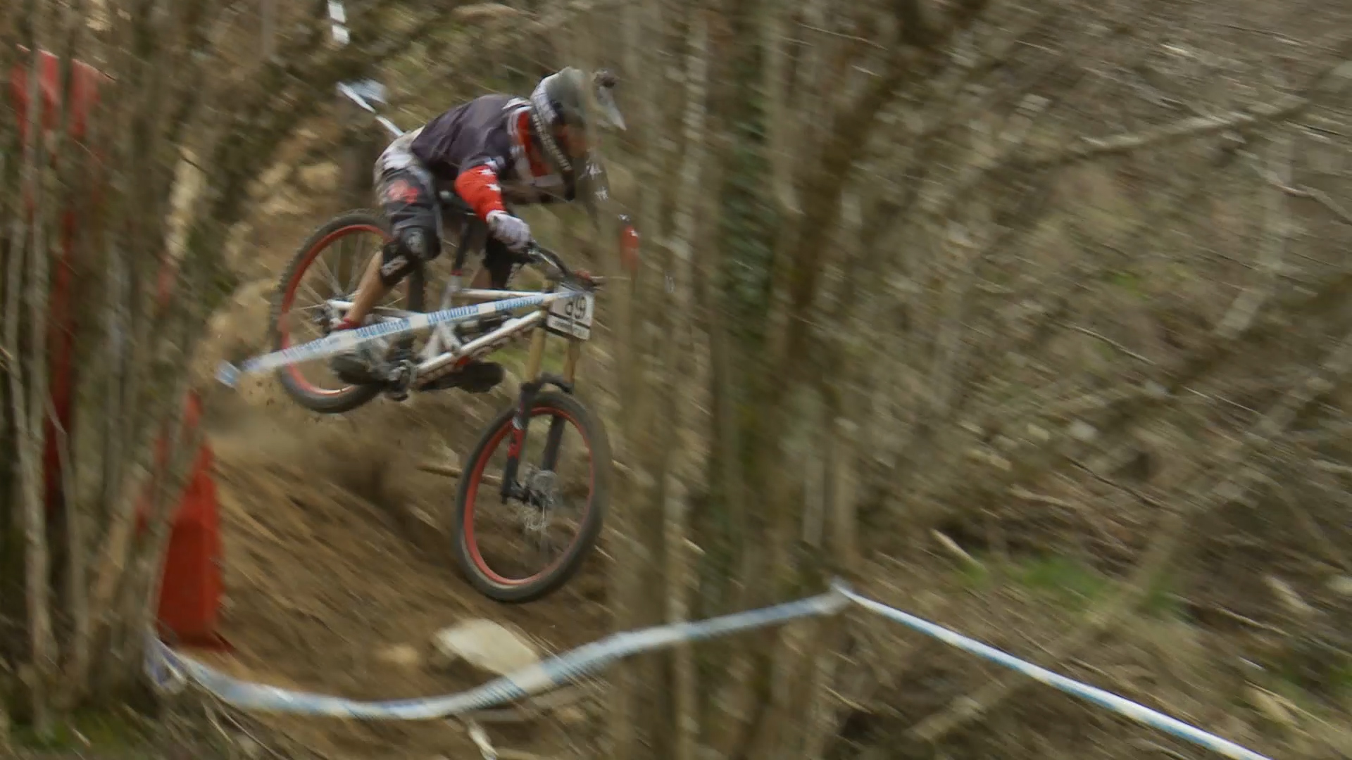 The Ultimate-Near-Death-Avoiding-Sort-of-Crash from the Lourdes Mountain Bike World Cup